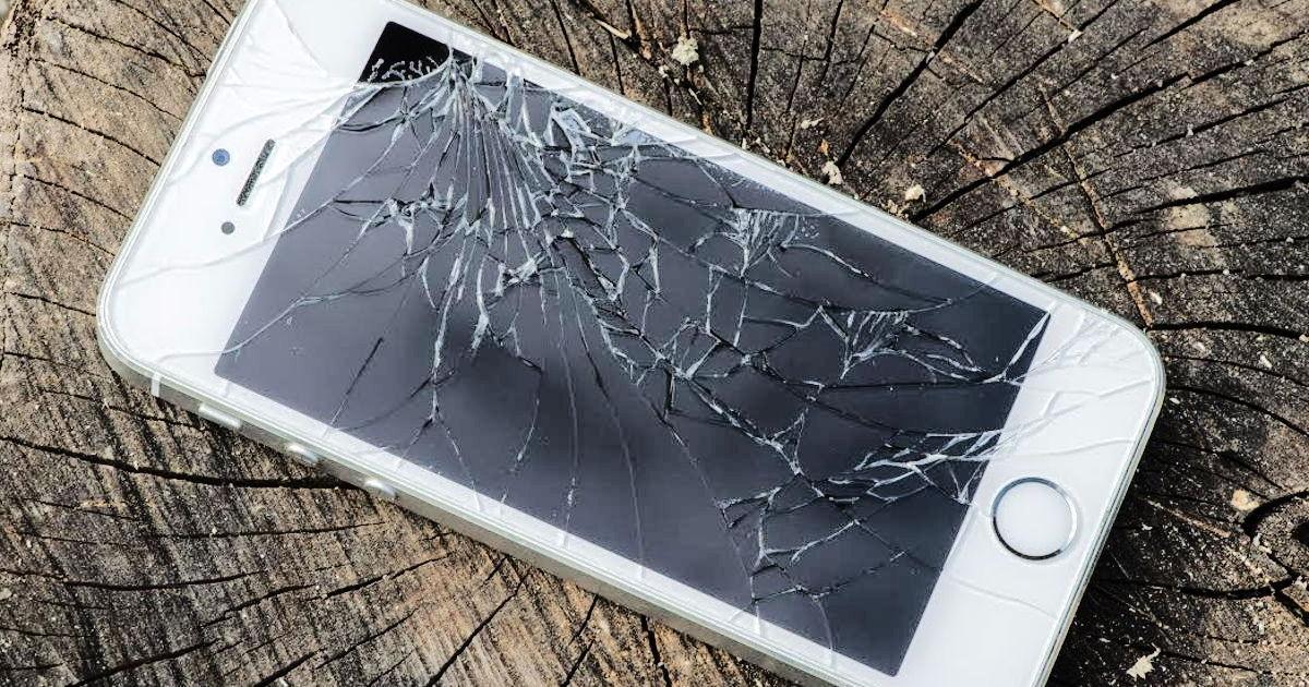 Как с разбитого телефона достать информацию