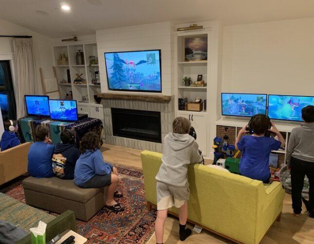 Почему современные дети часами любят смотреть, как другие играют в компьютерные игры