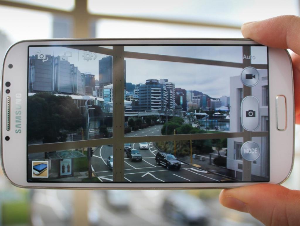 колонии общего недорогой телефон с хорошей фотокамерой должен