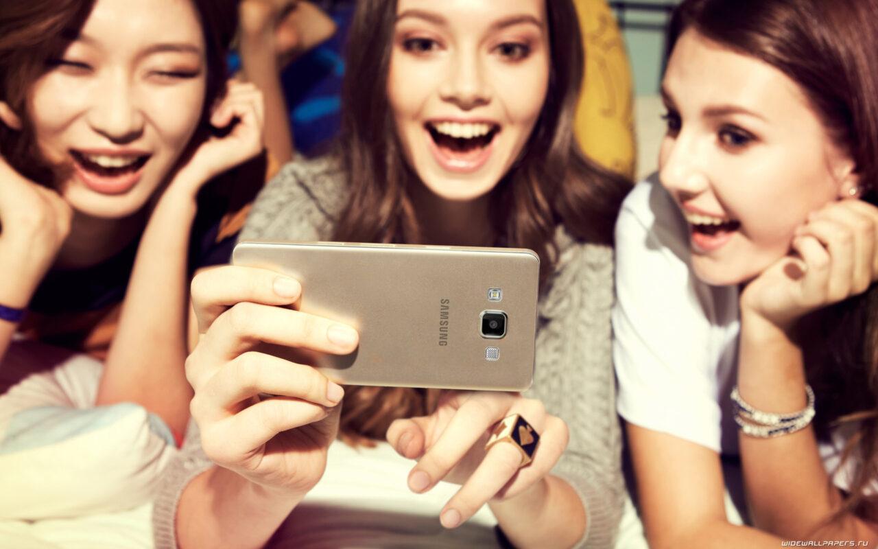 Билайн распродает смартфоны Samsung со скидкой 50% — выгодно перед новым учебным годом