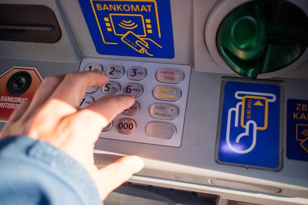 Как через терминал положить деньги на телефон