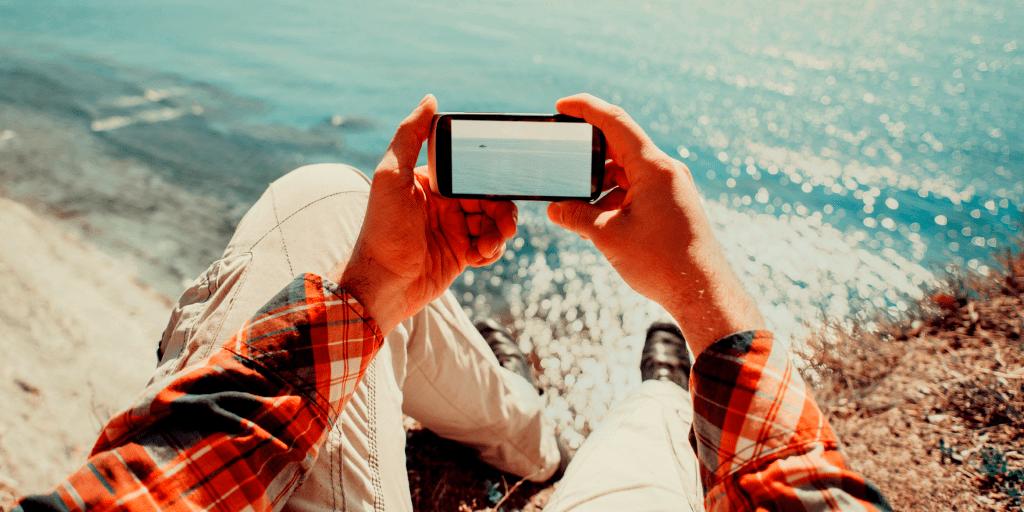 Как поставить гифку на обои телефона