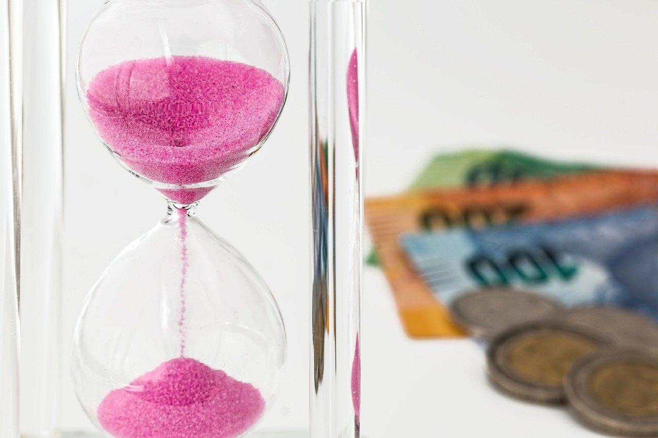 Сбербанк разрешил всем пополнять карту с карт других банков без комиссии – но сроки ограничены