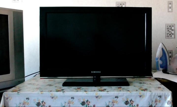 Телевизор сам включается и выключается — что делать