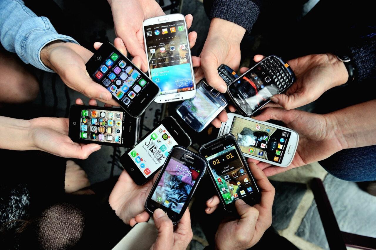 Какие российские приложения будут установлены на смартфоны