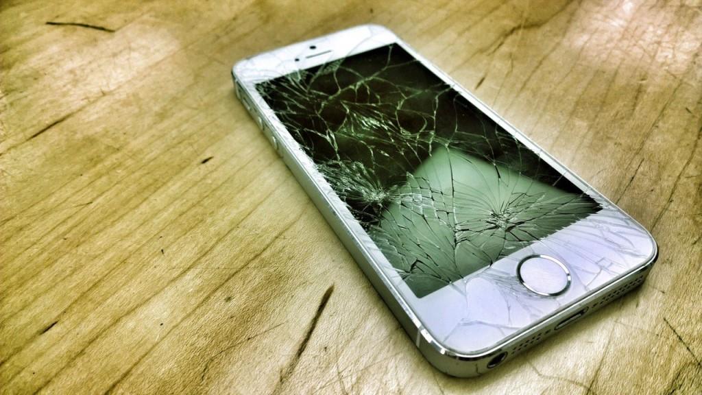 Как поменять экран на Айфоне