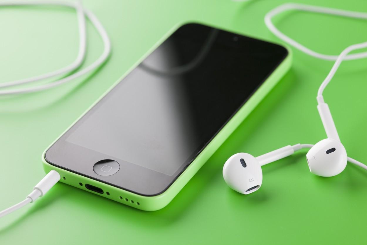 Почему наушники не подключаются к Айфону