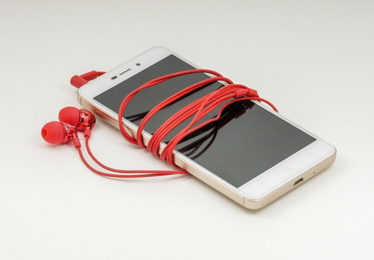 Почему смартфоны лучше класть дисплеем вниз