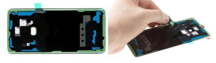 Установить заднюю крышку на смартфоне Самсунг