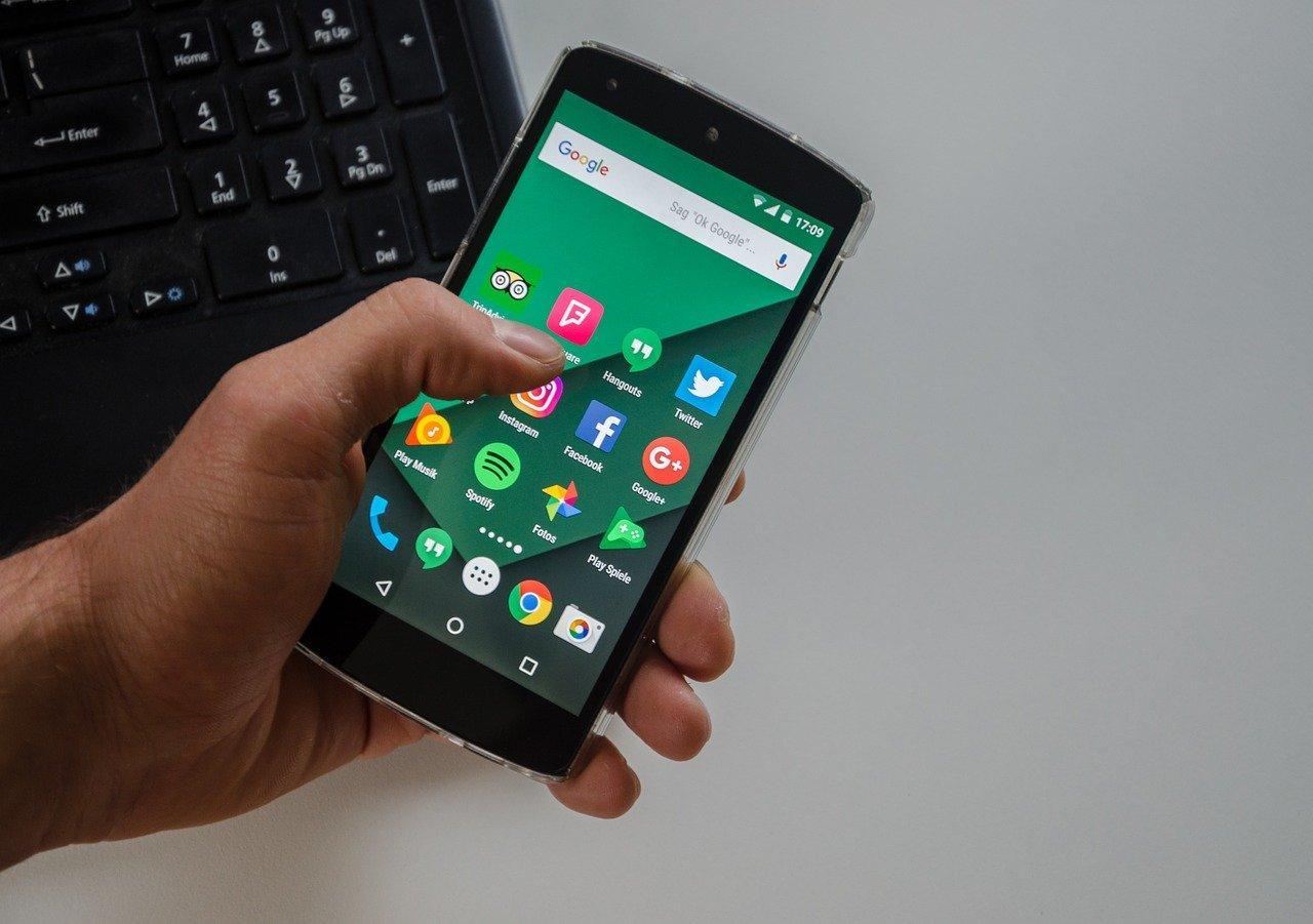 Как обновить приложение на Андроид вручную